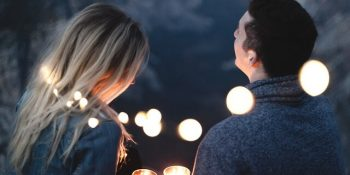Pierwsza rozmowa na portalu randkowym. Jak zagadać na portalu randkowym?