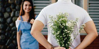 Jakie kwiaty na randkę? Wyjaśniamy znaczenie kolorów